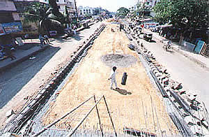 Construction of foundation, sub structure, super structure and approach road in connection with ROB at Nalasopara, Mumbai for MSRDC.